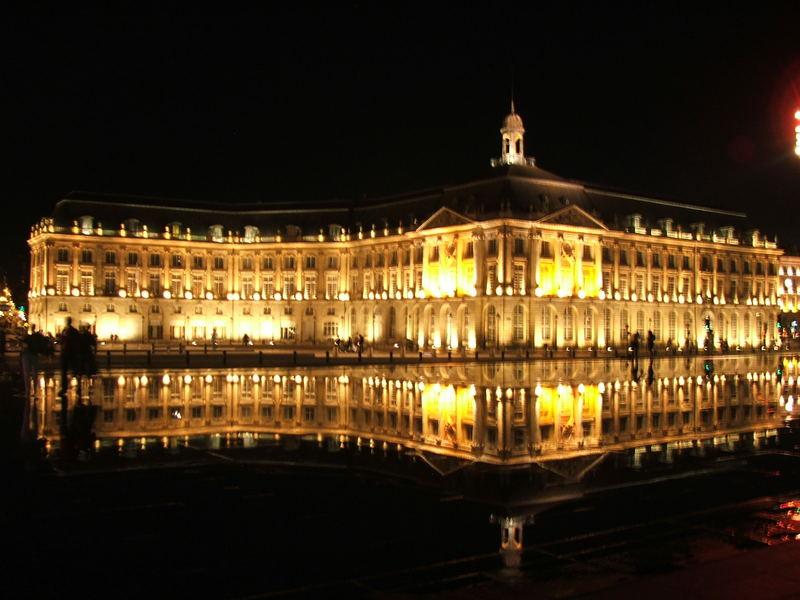 Place de la Bourse Bordeaux VTC